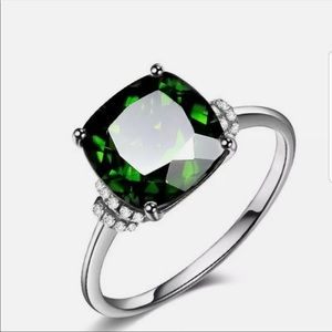 Adorable sterling silver and white sapphire ring